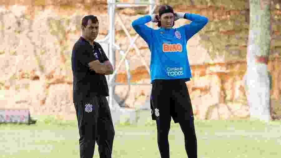 Fábio Carille, técnico do Corinthians, e o goleiro Cássio, que saiu em sua defesa em entrevista coletiva hoje (15) - Daniel Augusto Jr./Agência Corinthians