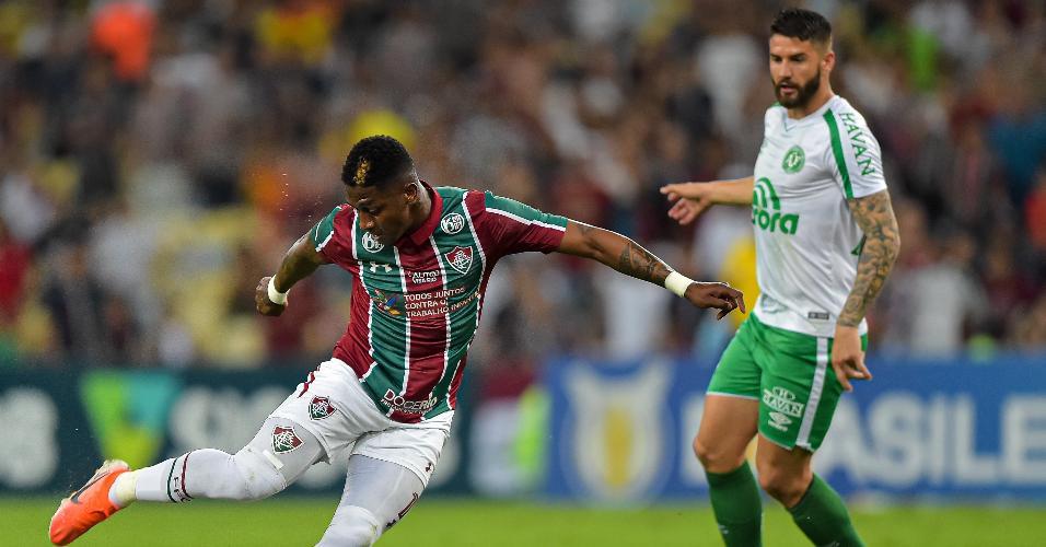 Yony Gonzalez, do Fluminense, durante partida contra o Chapecoense pelo Campeonato Brasileiro A 2019