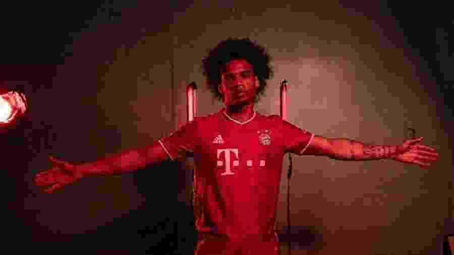Sané em anúncio oficial pelo Bayern de Munique - Reprodução
