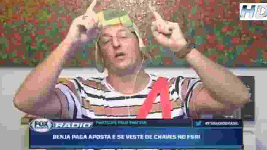 Benja paga aposta e faz programa de Chaves após eliminação do São Paulo - Reprodução/Fox Sports