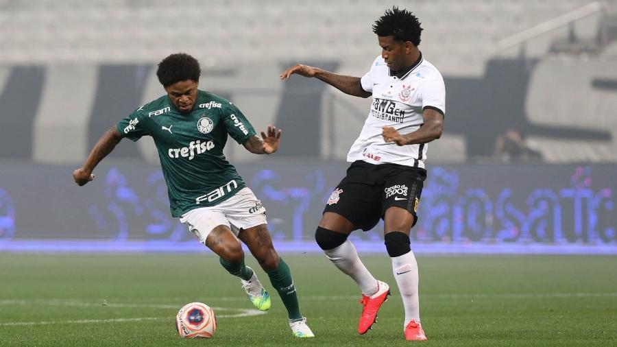 Luiz Adriano e Gil disputam bola durante Corinthians x Palmeiras, na primeira final do Paulistão 2020 - Cesar Greco/SE Palmeiras