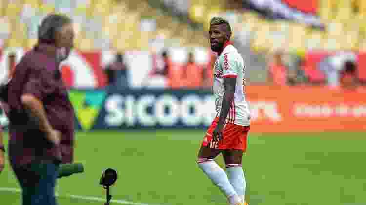 Rodinei foi expulso contra o Flamengo - Thiago Ribeiro/AGIF - Thiago Ribeiro/AGIF