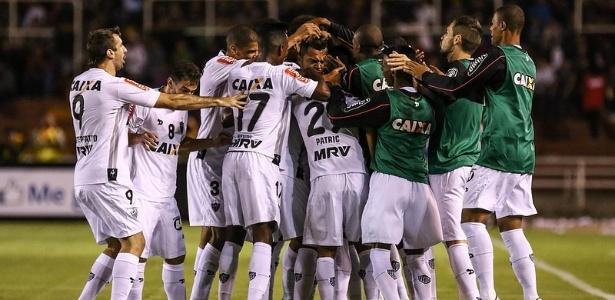 Jogadores do Atlético-MG comemoram o gol marcado por Rafael Carioca, contra o Melgar, pela Libertadores