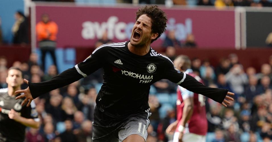 02.abr.2016 - Alexandre Pato comemora seu gol, logo na estreia pelo Chelsea, contra o Aston Villa