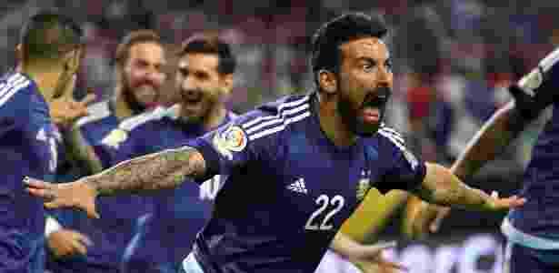 Lavezzi comemora o primeiro gol da Argentina contra os EUA - Scott Halleran/Getty Images/AFP