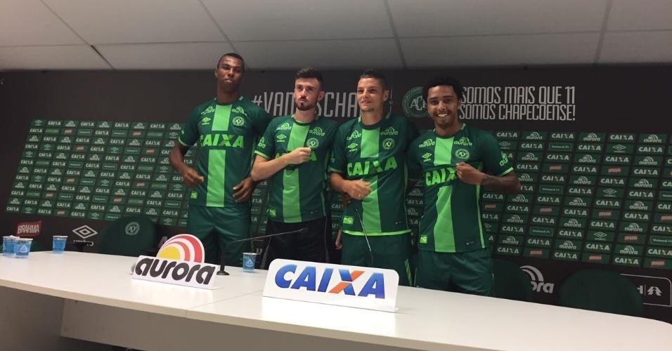 Luiz Otávio, Elias, Girotto e Osman (da esquerda para a direita) são apresentados na Chapecoense