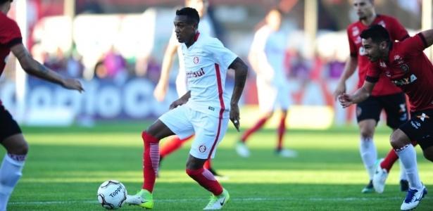 Edenilson está apto a voltar a jogar pelo Internacional. Encara o Criciúma sábado