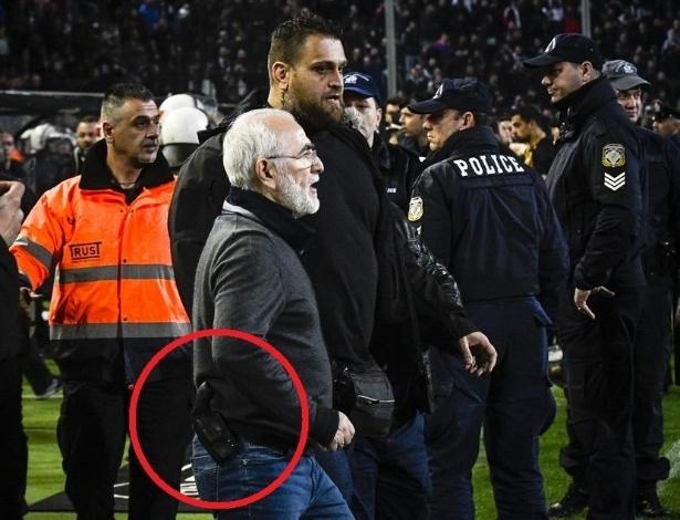 Presidente do PAOK ameaçou a arbitragem depois de o trio anular um gol da equipe