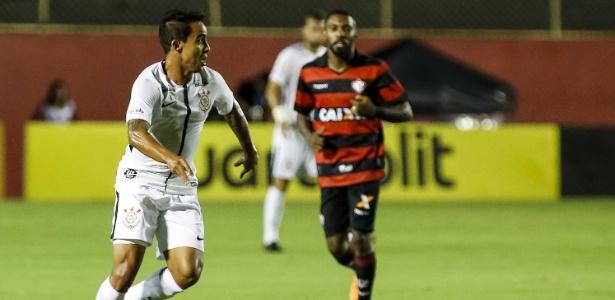 Camisa limpa: Corinthians tem jogado sem patrocínio fixo no peito da camisa