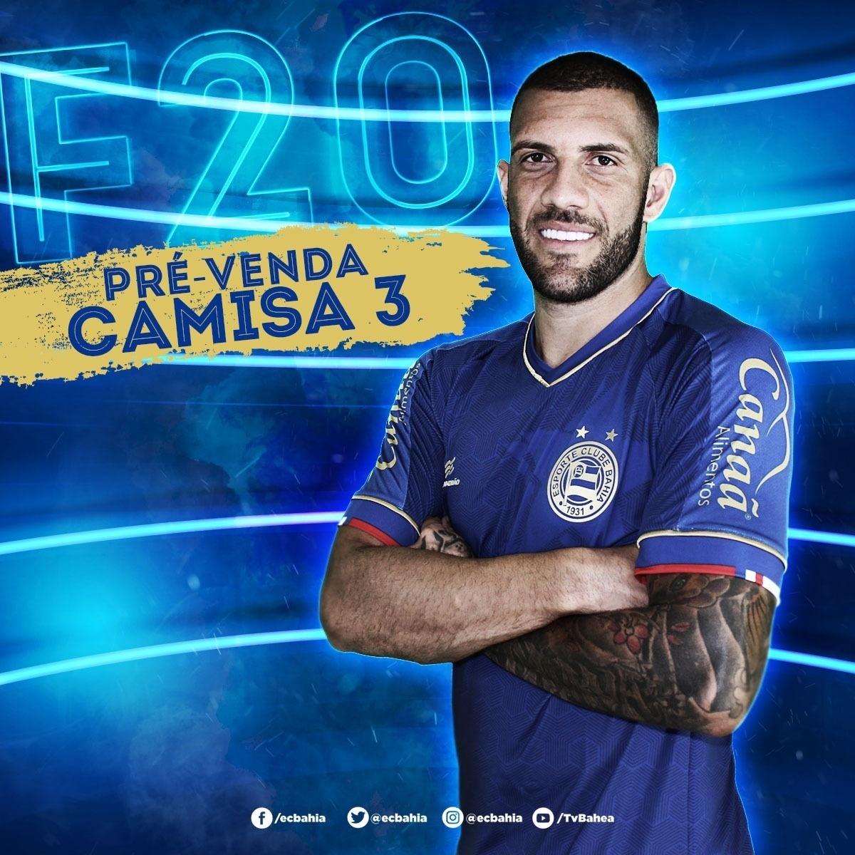 e0fcaf9f34429 Fernandão posa com novo uniforme 3 do Bahia