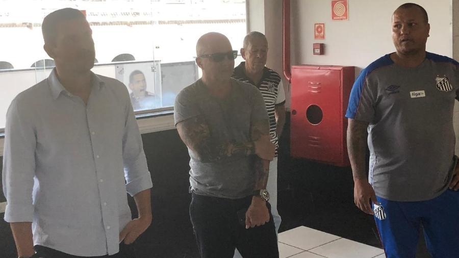 Jorge Sampaoli, técnico do Santos, comparece ao velório de Coutinho - Eder Traskini/UOL