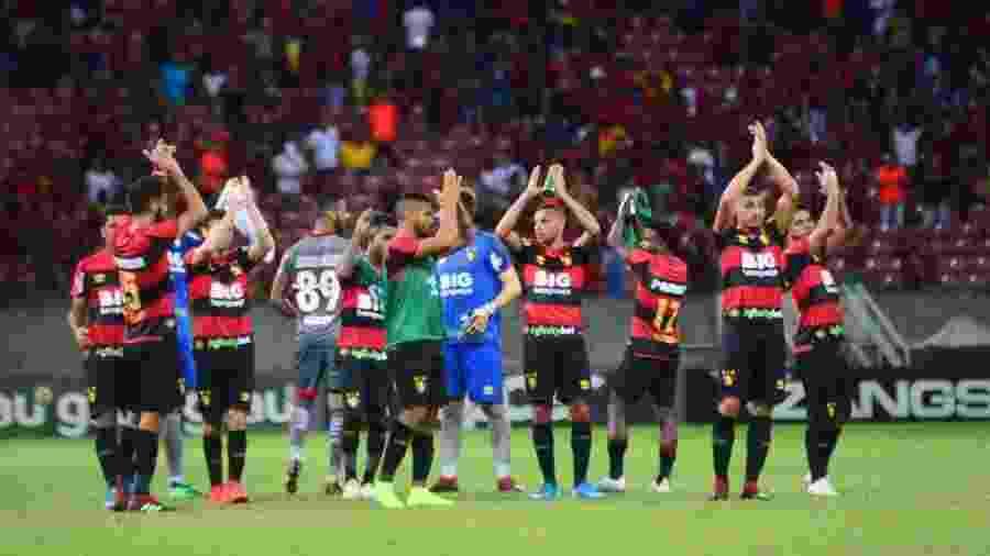 Jogadores do Sport comemoram vitória sobre o Botafogo-SP - Anderson Stevens/Sport Recife