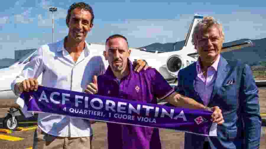 Ribéry chegou à Itália e será apresentado amanhã no Estádio Artemio Franchi - Reprodução/Twitter