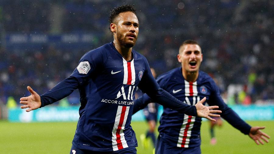 Neymar comemora gol do PSG sobre o Lyon; brasileiro está apto para atuar após lesão na coxa - Emmanuel Foudrot/Reuters