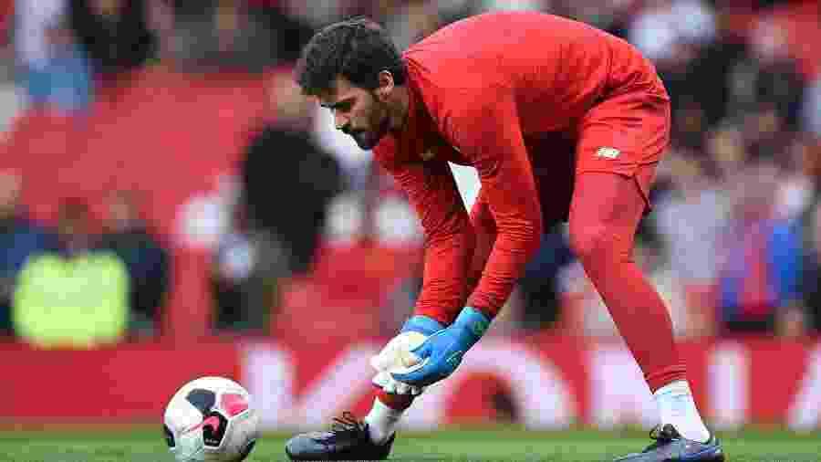 Alisson volta de lesão em jogo entre Liverpool e Manchester United - Oli SCARFF / AFP