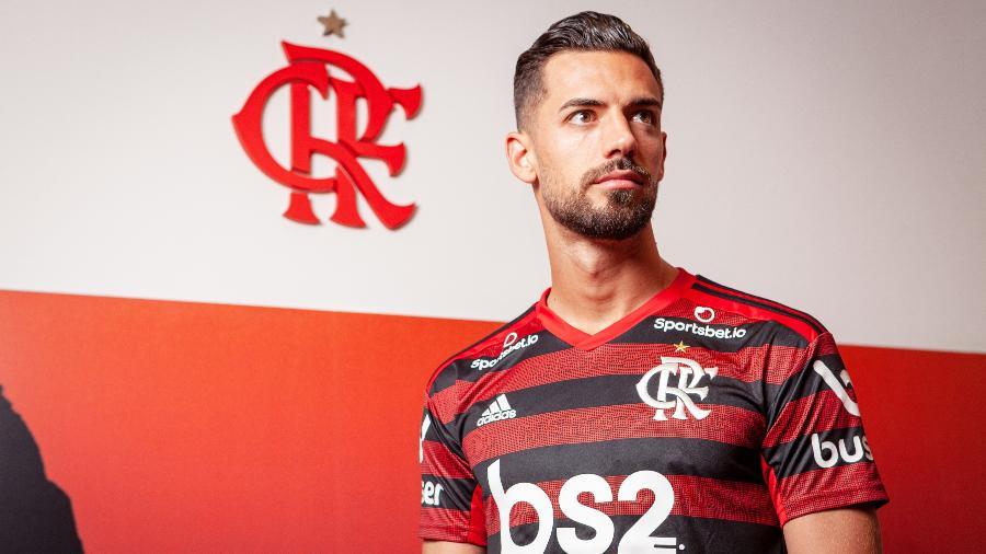 Pablo Marí esteve perto de se transferir para o Arsenal, mas negociação com o Flamengo travou - André Rodrigues/UOL