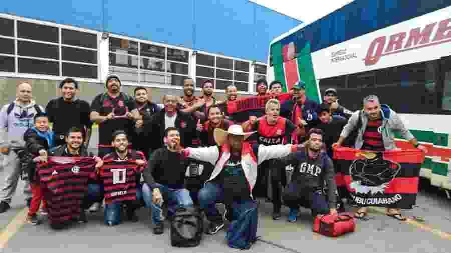 Ônibus de torcedores do Flamengo chega a Lima um dia antes da final - Diego Salgado/UOL
