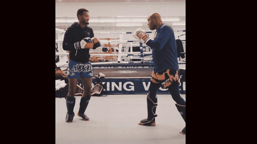 Gabriel em treino com o pai, Anderson Silva - Reprodução/Instagram