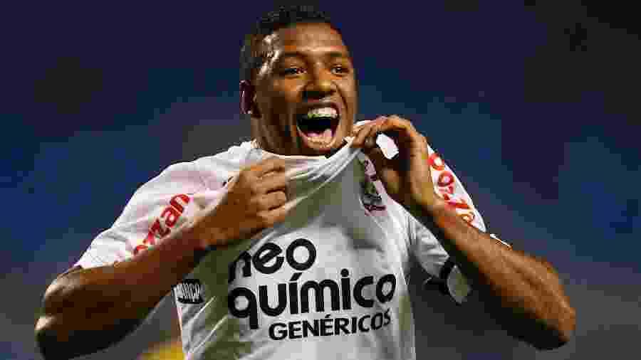 Jucilei atuando pelo Corinthians em 2010 - Buda Mendes/LatinContent via Getty Images