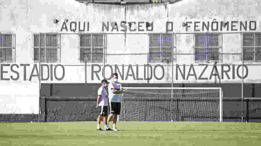 Ramon, técnico do Vasco, comanda treino no estádio do São Cristóvão - Rafael Ribeiro / Vasco