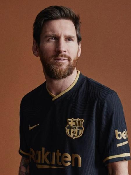 Lionel Messi com a nova camisa 2 do Barcelona - Reprodução/Twitter