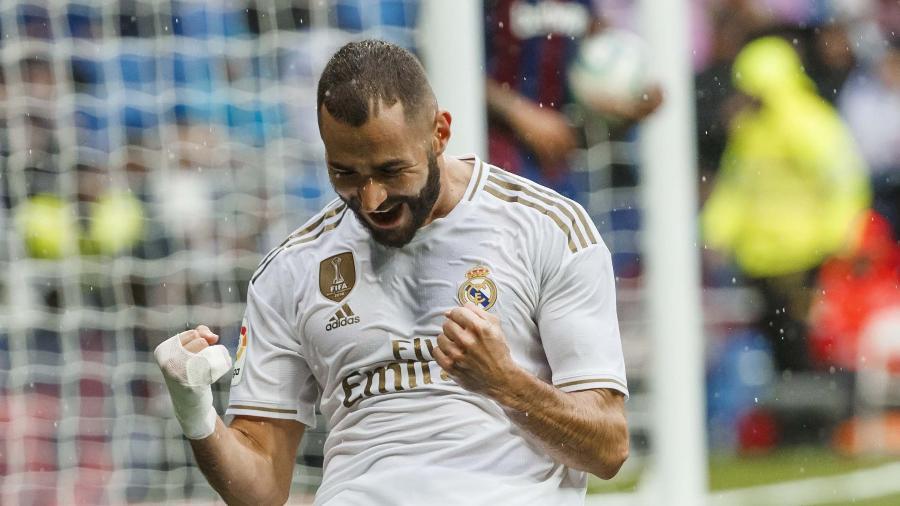 Karim Benzema comemora gol pelo Real Madrid; jogador está de volta à seleção francesa - Reprodução/La Liga