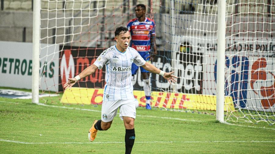 Pepê está na mira de vários clubes e o Grêmio quer que ele permaneça até o fim da temporada - Kely Pereira/AGIF