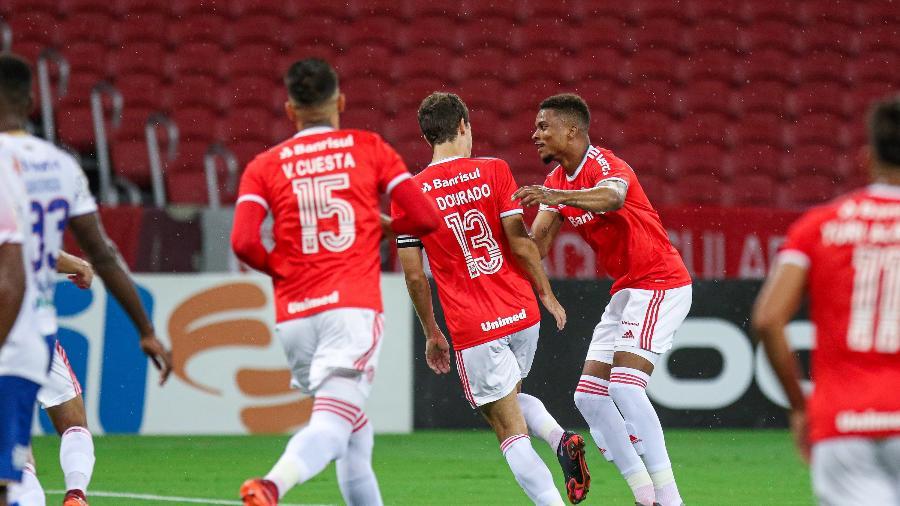 Rodrigo Dourado, do Internacional, comemora gol diante do Fortaleza pelo Brasileirão - Fernando Alves/AGIF