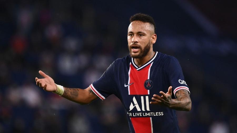 Neymar fica defora da partida contra o Barcelona pela Liga dos Campeões - AFP