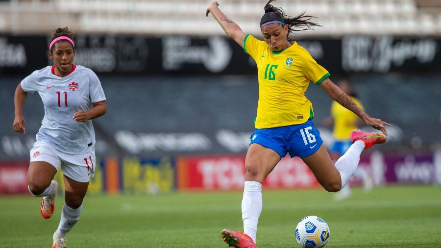 Bia Zaneratto em ação pela seleção brasileira feminina contra o Canadá - Richard Callis/SPP/CBF