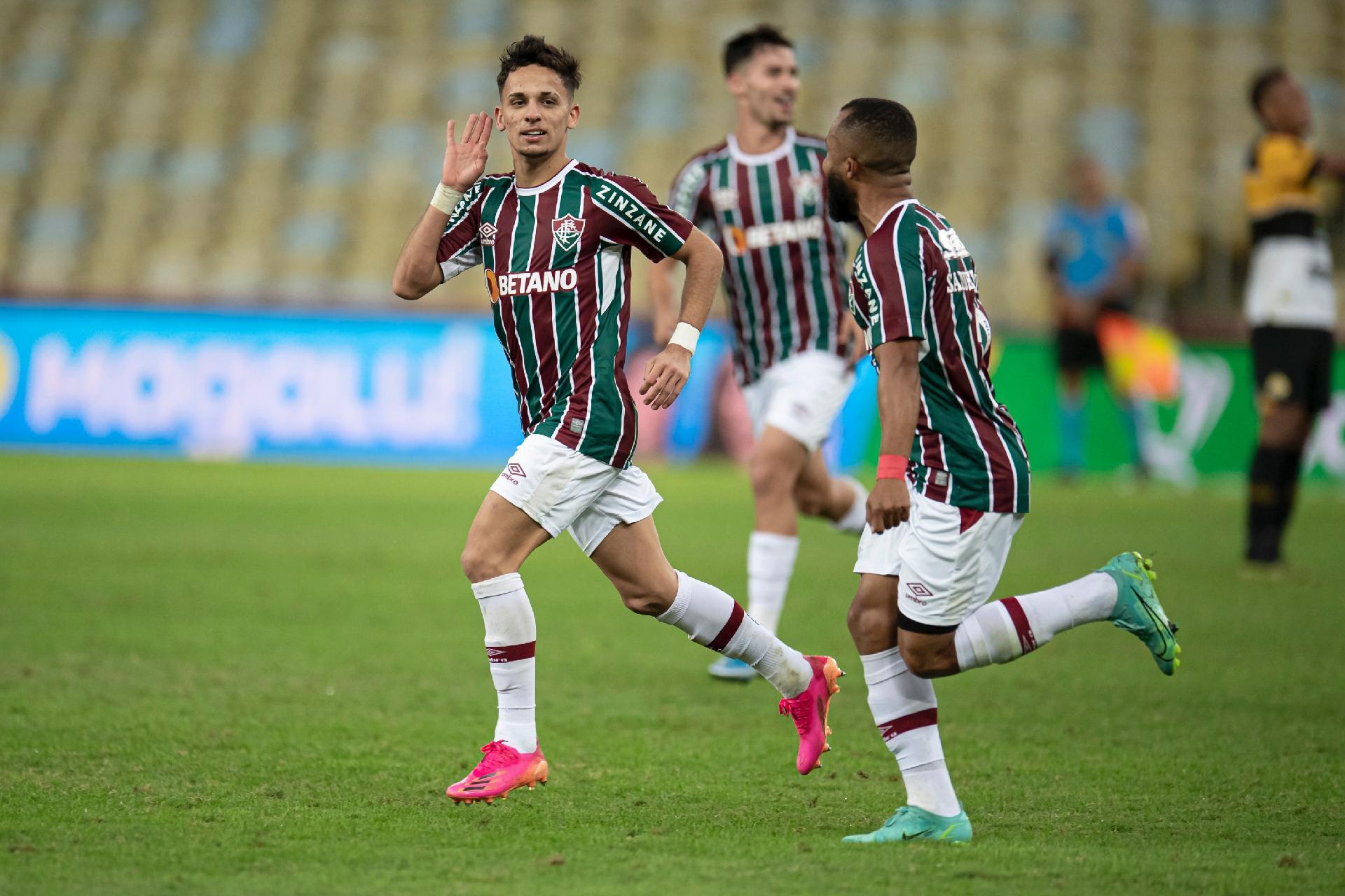 Gabriel Teixeira comemora seu gol diante do Criciúma, em vitória do Fluminense por 3 a 0 na Copa do Brasil