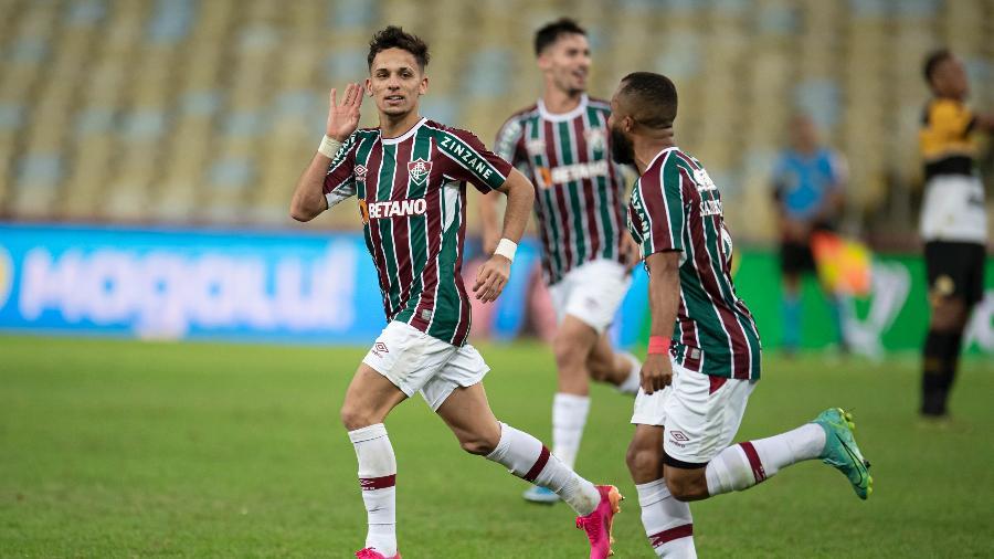 Gabriel Teixeira comemora seu gol diante do Criciúma, em vitória do Fluminense por 3 a 0 na Copa do Brasil - Jorge Rodrigues/AGIF
