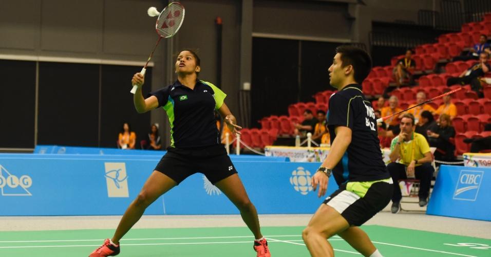 Alex Tjong e Lohaynny Vicente foram derrotados na semifinal das duplas mistas do badminton, mas garantiram a medalha de bronze