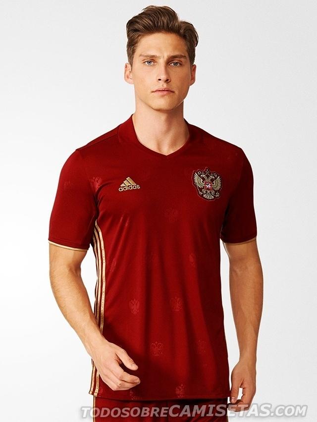GRUPO B: Rússia (camisa titular, adidas)