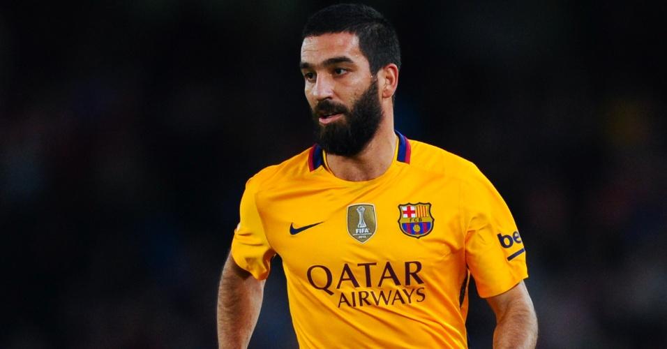 Arda Turan em ação com a camisa do Barcelona