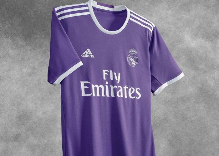 Uniforme número 2 do Real Madrid