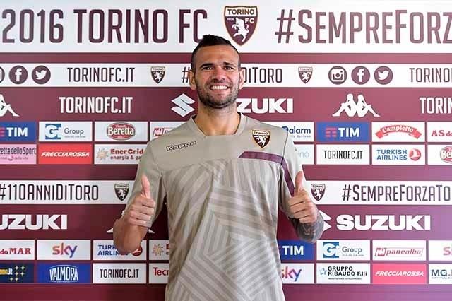 Leandro Castán é apresentado oficialmente pelo Torino