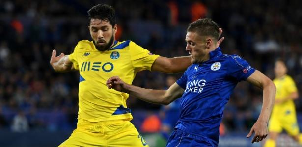 Felipe em ação pelo Porto contra o Leicester na Liga dos Campeões