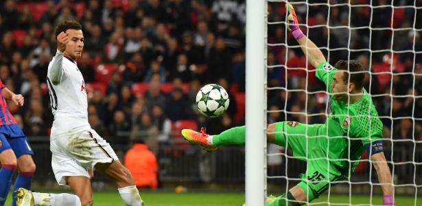 Dele Alli marca para o Tottenham na Liga dos Campeões