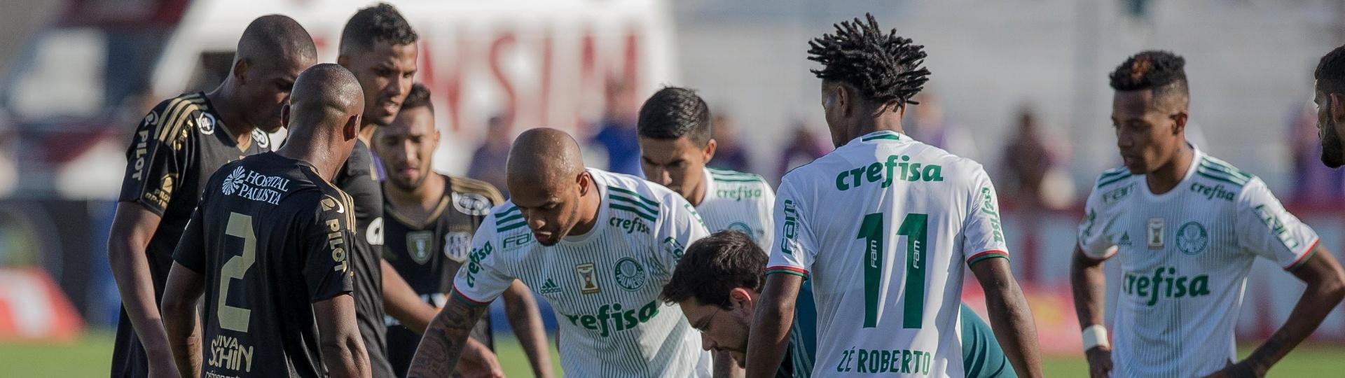 Jogadores de Ponte Preta a Palmeiras cercam o atacante William