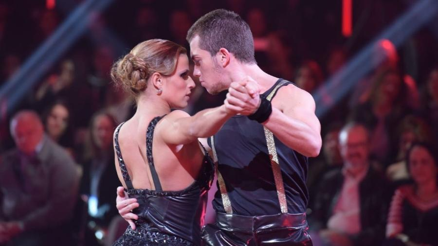 Jade Barbosa dança com o parceiro Lucas Teodoro no programa Dancing Brasil, da TV Record - Blad Meneghel/ Divulgação TV Record