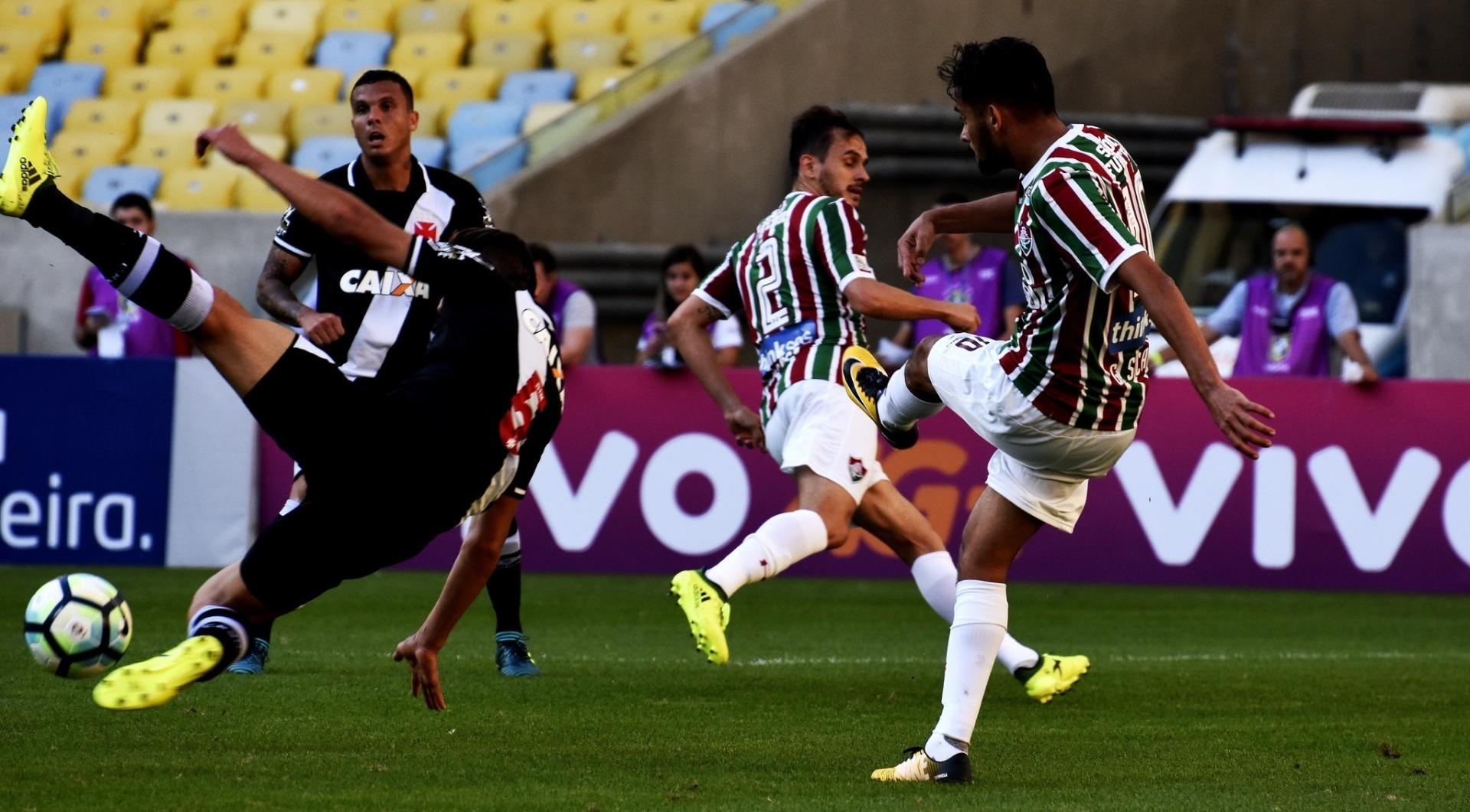 Scarpa tenta passe em clássico contra o Vasco