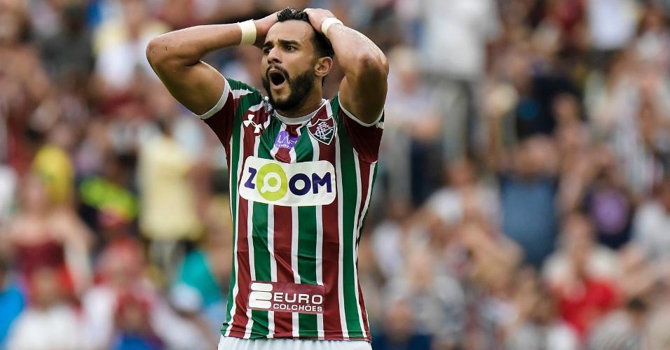 Henrique Dourado lamenta chance perdida pelo Fluminense no jogo contra a Ponte