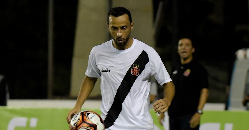 O meia Nenê durante partida entre Vasco e Bangu pelo Campeonato Carioca
