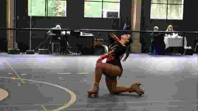 Maryna Scocca em competição de patinação artística - Arquivo Pessoal