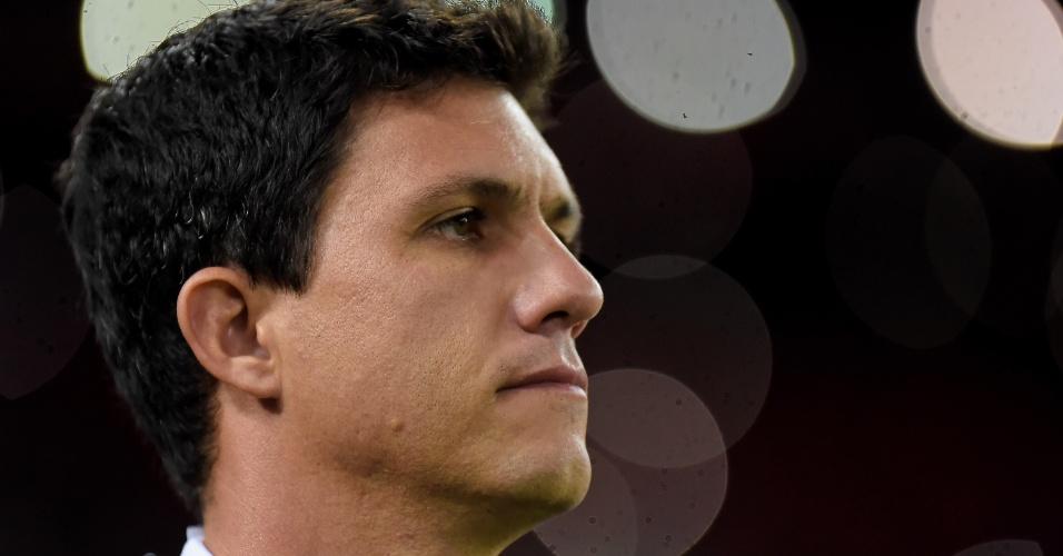 O técnico Mauricio Barbieri comanda o Flamengo contra o Grêmio