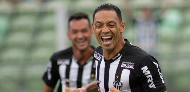 Ricardo Oliveira comemora gol do Atlético-MG contra o Boa - Marcelo Alvarenga/AGIF