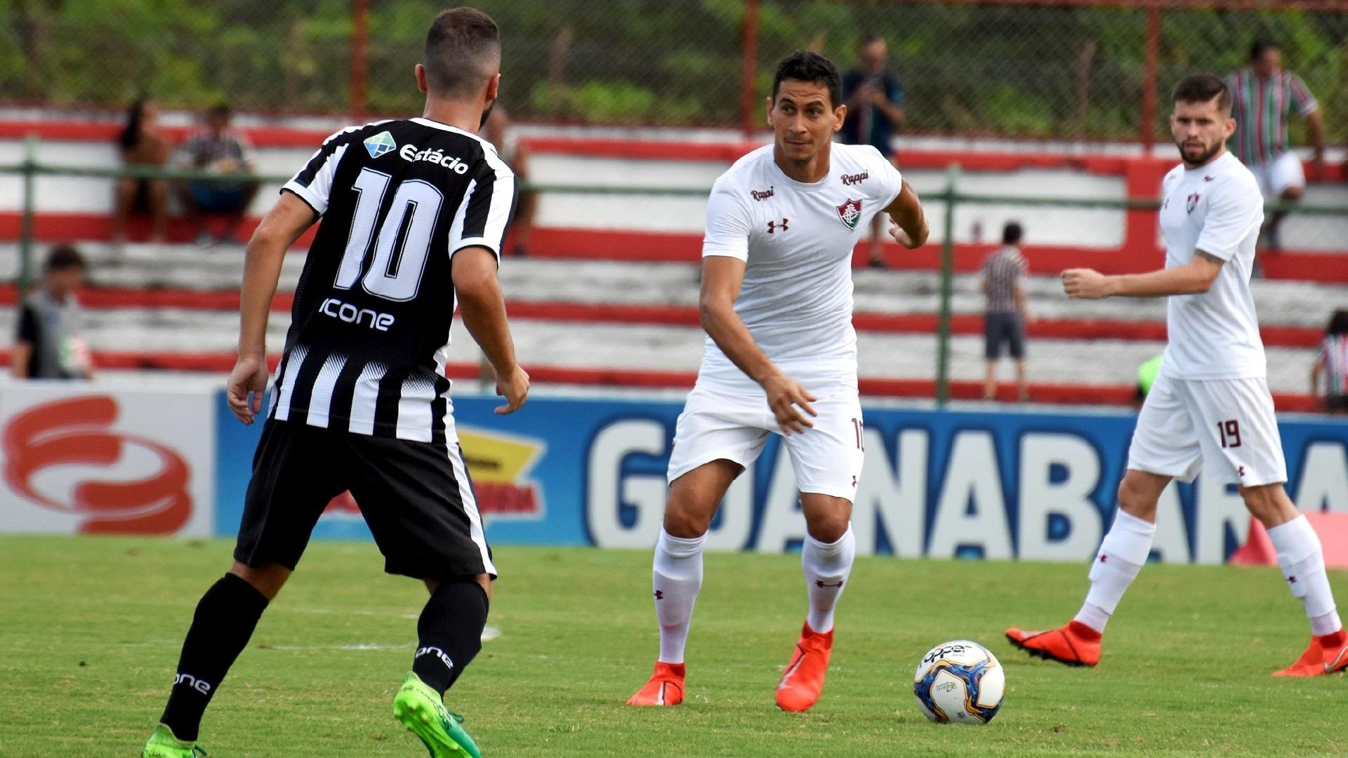 Ganso em partida de Fluminense contra Resende pela Taça Rio