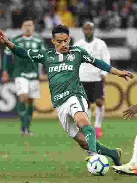 Gustavo Scarpa em ação pelo Palmeiras contra o Corinthians - Cesar Greco/Ag. Palmeiras/Divulgação