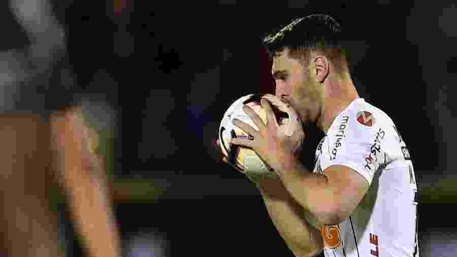 Mauro Boselli disse que permanece no Corinthians em 2020 - RODRIGO BUENDIA / AFP
